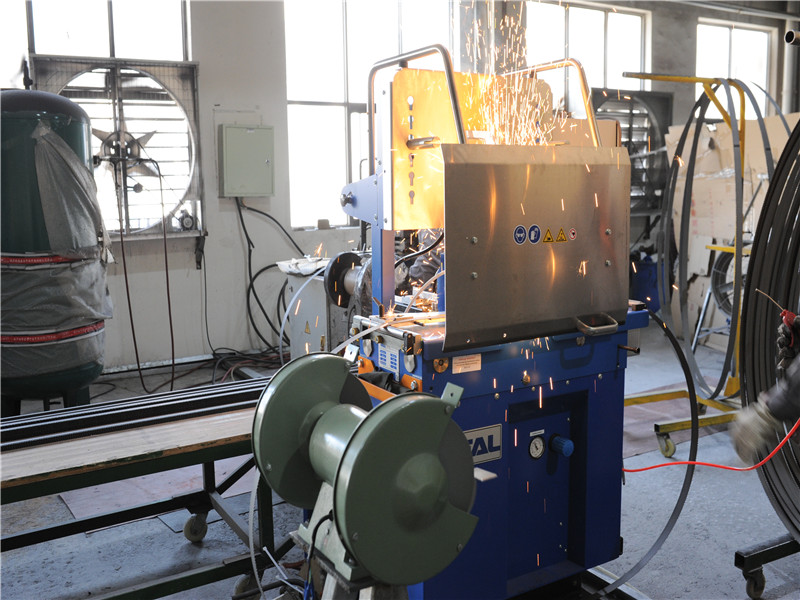 为何锯床会成为机械加工必备机床?